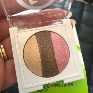 Mary Kay @play Baked eye shadow trio Neopolitan